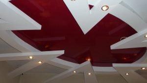 Натяжной потолок в салоне красоты
